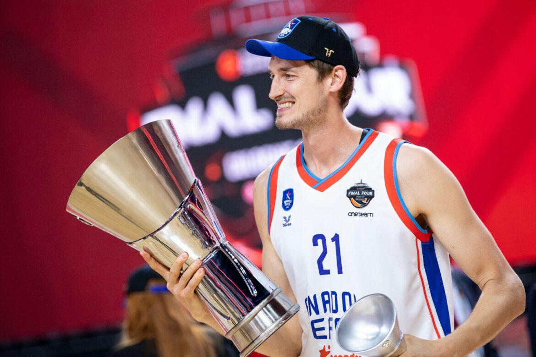 Pleiß gewinnt mit Anadolu Efes die Basketball-Euroleague